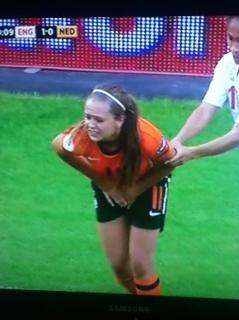 womensfootballbust3.jpg
